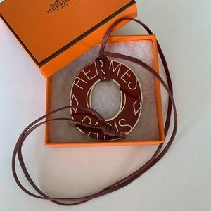 "Hermès Lacquer Pendant with 15"" adjustable length"
